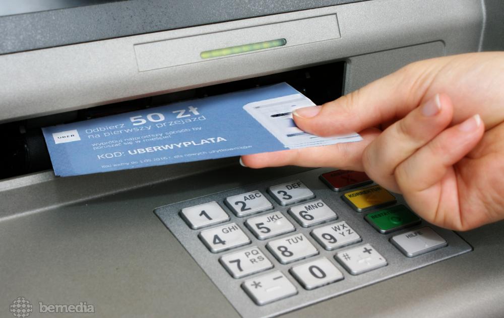 Kupon rabatowy wydawany w bankomacie