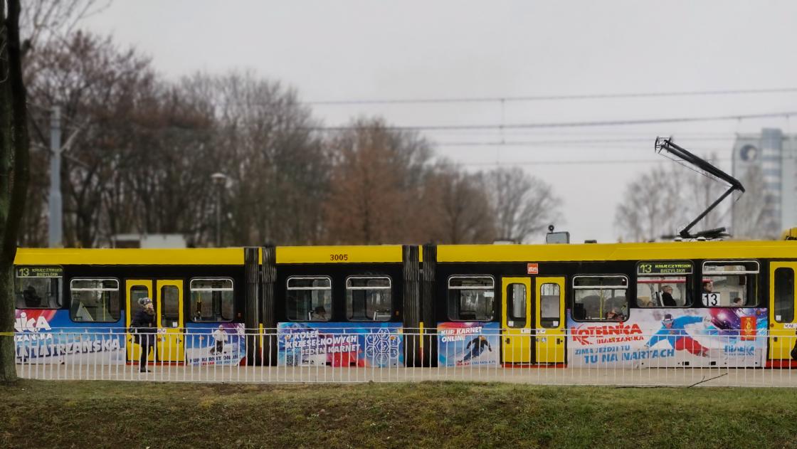 oklejony tramwaj Kotelnicy
