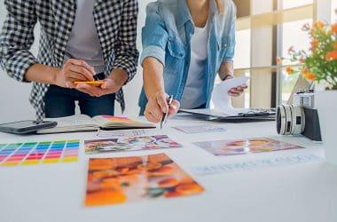 Dlaczego warto skorzystać z pomocy agencji reklamowej, planując kampanię reklamową?